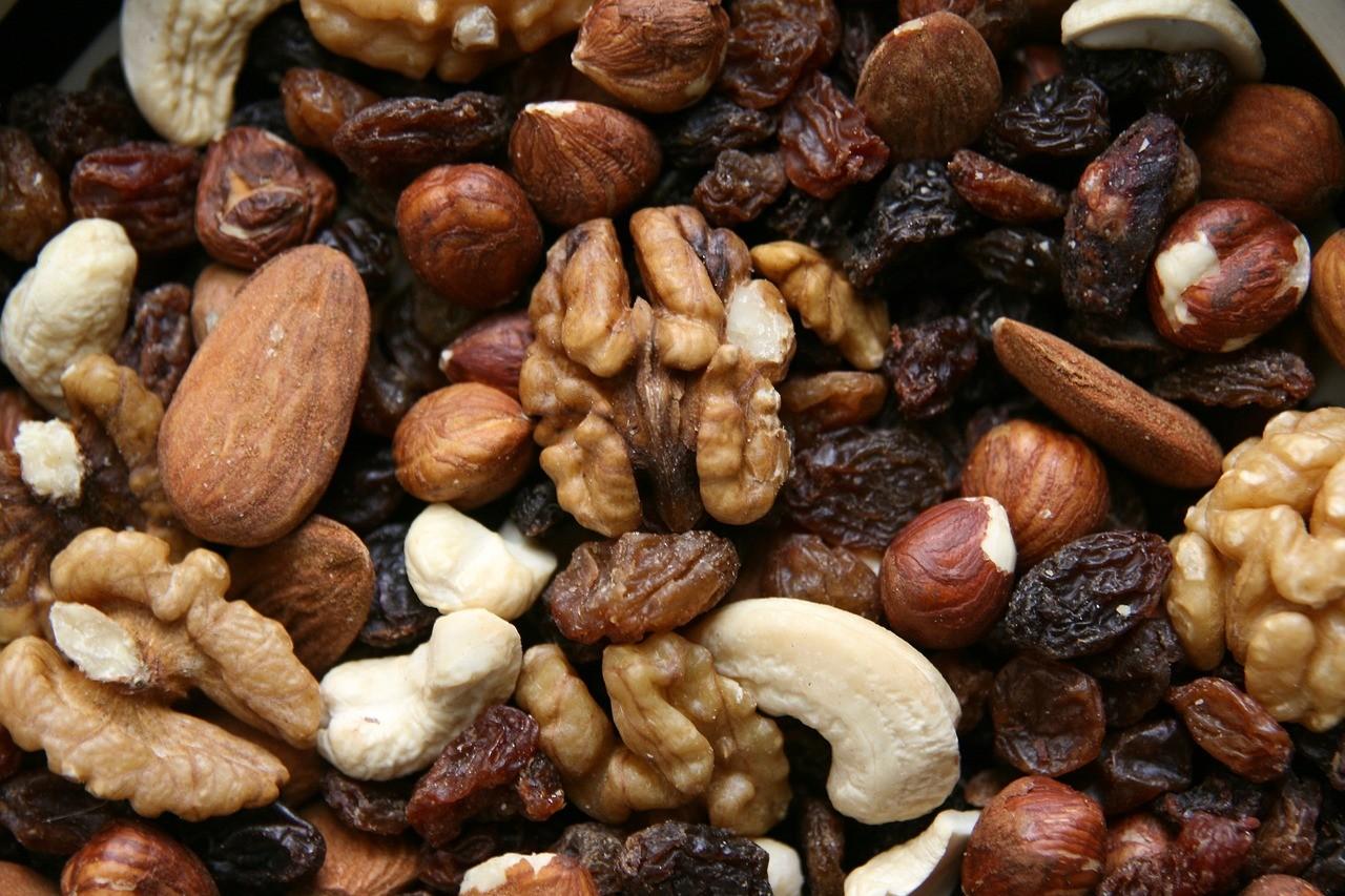 frutos secos para llevar en tu mochila montaña